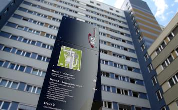 Bildungs- und Verwaltungszentrum Berlin - visuelles Leitsystem von HORN Orientierungssysteme Berlin